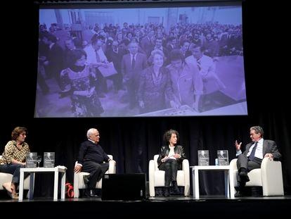 Montserrat Domínguez, Juan Cruz, Mercedes Cabrera y Augusto Delkader, en el Círculo de Bellas Artes de Madrid en la presentación del libro 'Ciudadano Polanco'.