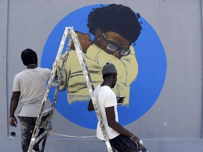 Miembros del colectivo de grafiteros senegaleses RBS CREW, han iniciado una campaña gráfica informativa sobre el coronavirus en la universidad Cheikh Anta Diop de Dakar.