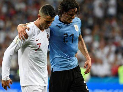 Cristiano Ronaldo y Edinson Cavani en el partido Uruguay-Portugal celebrado en Sochi (Rusia) el 30 de junio de 2018.