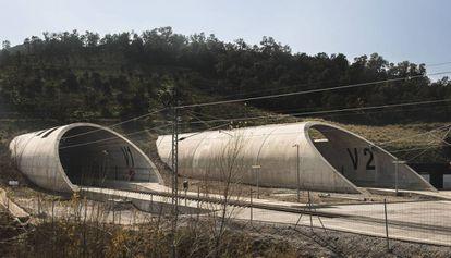 Túneles del paso transfronterizo del AVE en el Pertús.