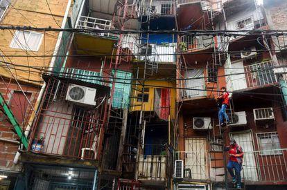 Frentes de viviendas de la villa 31 de Buenos Aires.