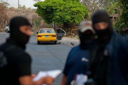 Escena del crimen de un taxista en San Salvador