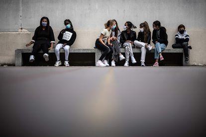 Alumnas de una escuela de París.