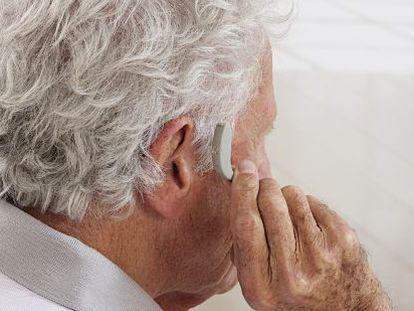 Sanidad insta a no confundir amplificadores de sonido con audífonos.