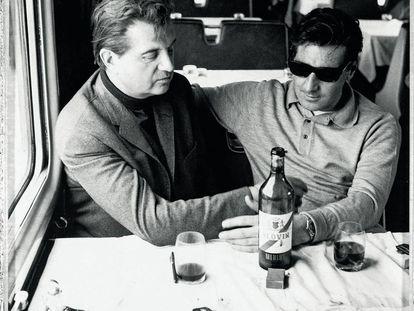 Bacon (izquierda) y su pareja de entonces, George Dyer, durante un viaje en el Orient Express en 1965.