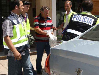 Vicente Hidalgo, empresario de la construcción, al ser detenido ayer en Estepona.