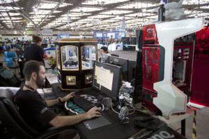 """""""Campuseros"""" participan en la séptima edición de la Campus Party Brasil que arrancó en Sao Paulo. EFE/Archivo"""