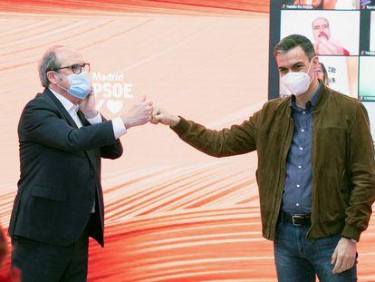 Ángel Gabilondo y Pedro Sánchez, en el mitin del pasado sábado.