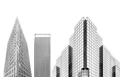 De izquierda a derecha, el edificio Pokorna, en Varsovia; la Torre Picasso, en Madrid, y 20 Cadogan Street, en Glasgow.