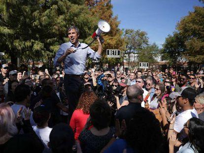 Beto O'Rourke, candidato demócrata en Texas, este viernes en un mitin de campaña en la localidad de Plano.