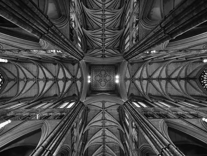 Vista de la bóveda de la capilla central.