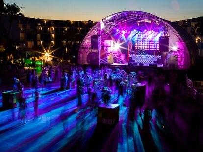 Pista de baile del Hard Rock Hotel de Ibiza, donde este viernes se ha desarrollado una prueba piloto para reabrir el ocio nocturno.