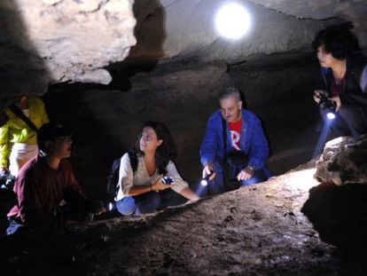 Los investigadores María Martinón-Torres, José María Bermúdez de Castro, Liu Wu y Wu Xiujie.