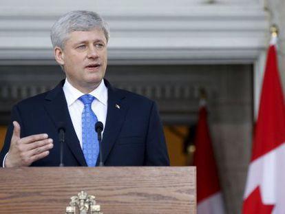 El primer ministro Stephen Harper tras convocar elecciones el 19 de octubre