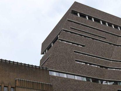 Tate Modern de Londres. Desde la galería superior, en el décimo piso, fue arrojado este domingo un niño de seis años.
