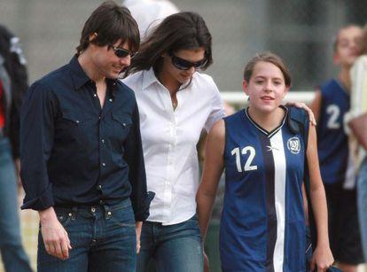 El actor Tom Cruise y su entonces prometida Katie Holmes, en un partido de fútbol de Isabelle en Los Ángeles en 2006.