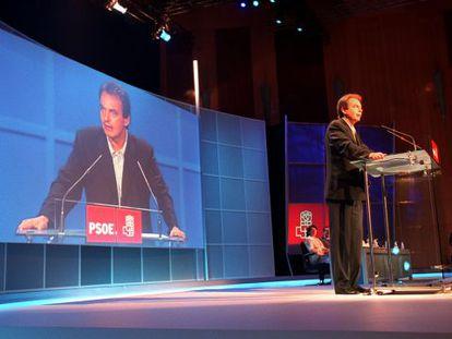 José Luis Rodríguez Zapatero, en la conferencia política de 2001.
