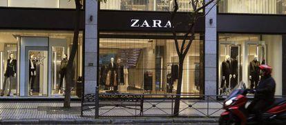 Vista de una tienda de Zara, del grupo Inditex, en Madrid.