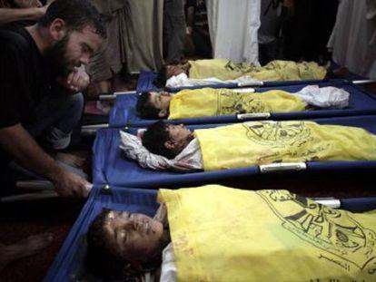 Los cuatro niños Baker, tras el bombardeo.