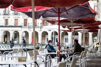 Una terraza de Vitoria en febrero.