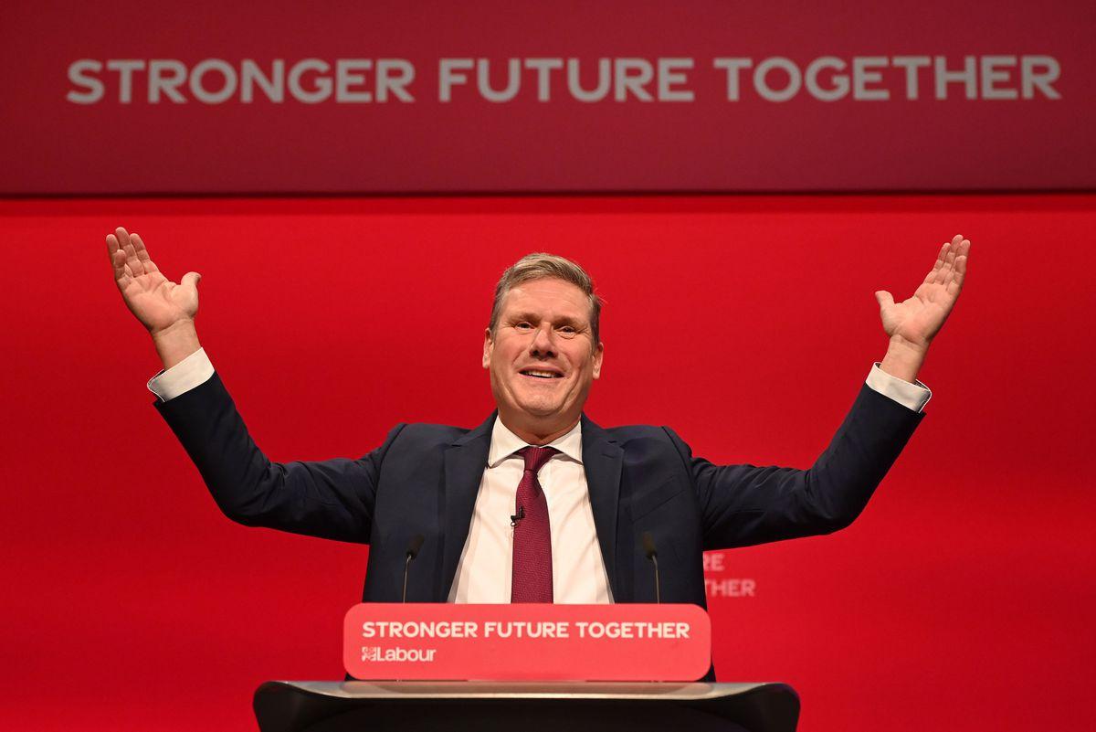 El líder del laborismo británico consuma el giro al centro