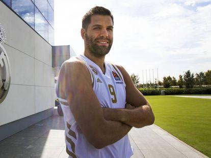 Felipe Reyes, junto al pabellón de baloncesto de Valdebebas. Álvaro García