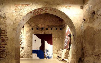 Pinturas de Carlos León en una iglesia de Pedraza de la Sierra (Segovia).