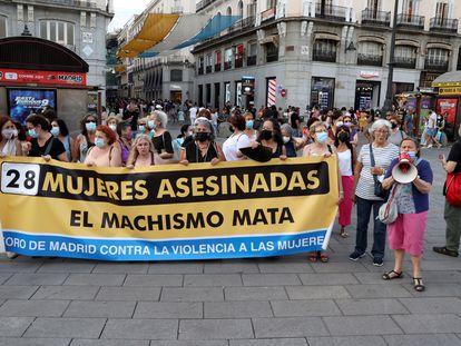 El Foro de Madrid contra la Violencia a las Mujeres se concentra este julio en la Puerta del Sol en recuerdo a las dos mujeres asesinadas en los últimos días por sus parejas, una en Pozuelo de Alarcón (Madrid) y otra en Sabadell.