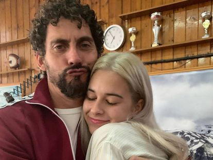 Dora Postigo con Paco León en una imagen que ha publicado en su cuenta de Instagram.