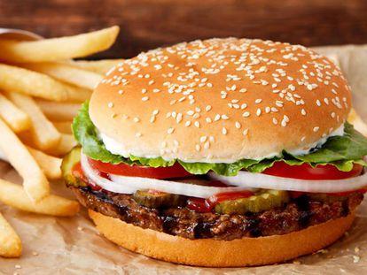 Foto de la nueva 'rebel whopper', estrenada este martes en los restaurantes españoles de Burger King.