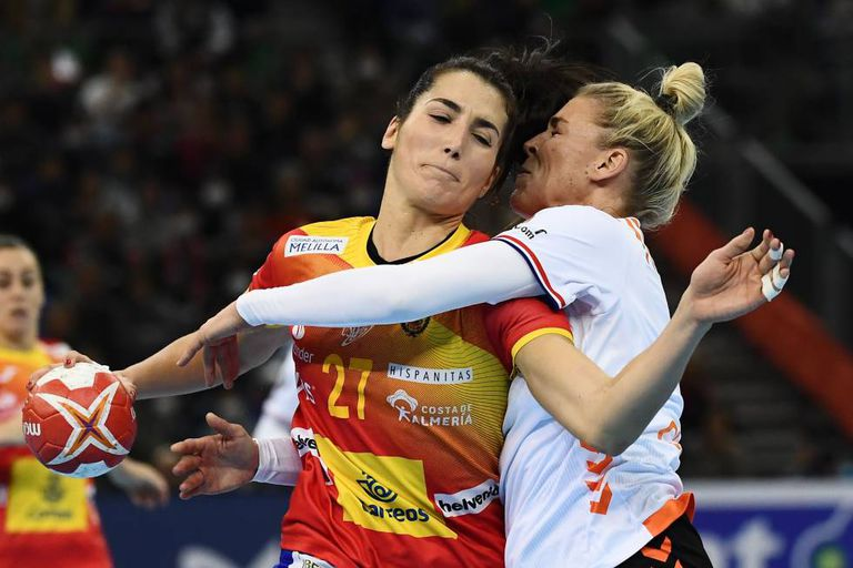 Lara González, during the final of the 2019 Women's Handball World Cup against the Netherlands.