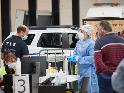 El recinto Ferial de Navarra, en Pamplona, donde el Departamento de Salud del Gobierno de Navarra realizó pruebas PCR de detección de la covid-19, el martes.
