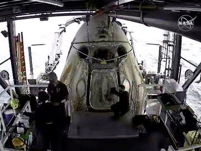 La cápsula donde han llegado los astronautas.