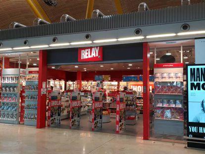 Una tienda de conveniencia en el aeropuerto de Madrid-Barajas