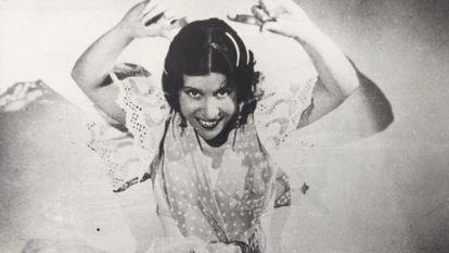 'La Argentinita', en una fotografía sin datar, incluida en el libro 'La vida encontrada de Encarnación López, La Argentinita'.