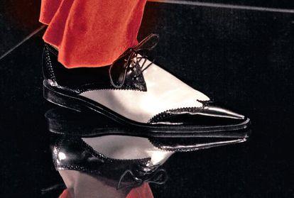 Dos zapatos Oxford.