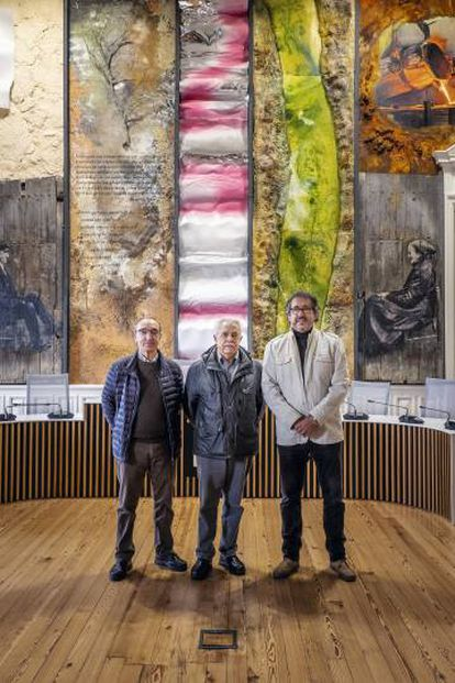 De izquierda a derecha, Juan José Uría, exalcalde de Hernani por HB; José Morcillo, exconcejal del PSE, y Andoni Amonarraiz, concejal del PNV.