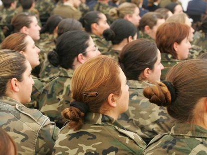 Acto de presentación del Observatorio de la Mujer en las Fuerzas Armadas, en la base militar de