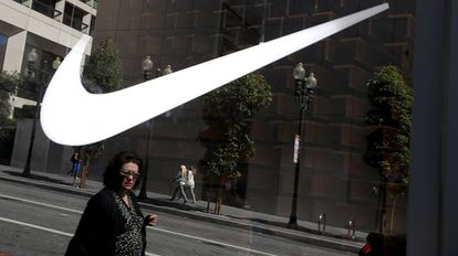 Logo de Nike en una tienda en San Francisco