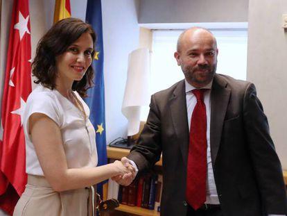 Isabel Diaz Ayuso durante su reunion con el presidente de la Asamblea de Madrid, Juan Trinidad. En vídeo, declaraciones de Díaz Ayuso.