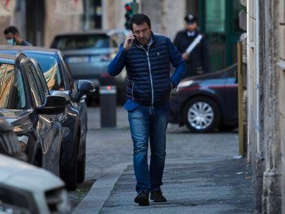Matteo Salvini camina cerca del Senado, el pasado lunes en Roma.