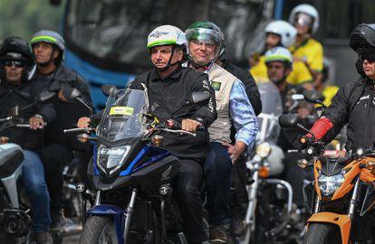 El presidente Bolsonaro, el domingo pasado en Río de Janeiro durante una marcha de moteros.