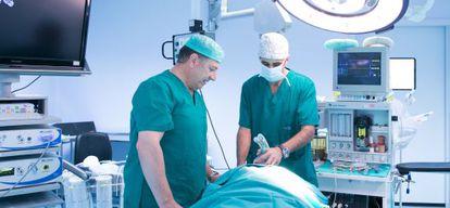 Quirófano en el hospital privado Vithas Virgen del Mar de Almería.
