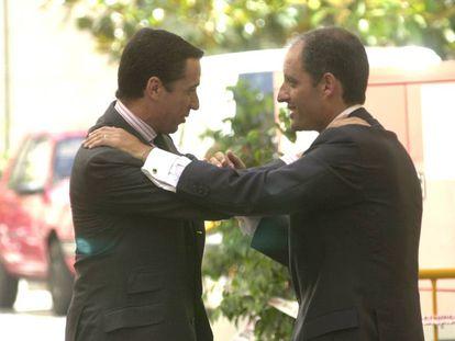 Eduardo Zaplana y Francisco Camps, en una imagen de 2003 cuando el primero era ministro de Trabajo y el segundo, presidente valenciano.