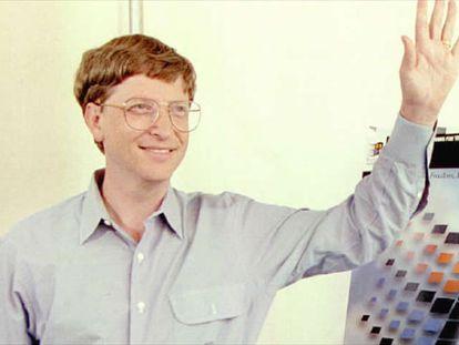 En 1985 Microsoft lanza la primera versión de Windows, revolucionaria por usar un entorno gráfico que permite al usuario librarse de la línea de comandos para interactuar con el ordenador.