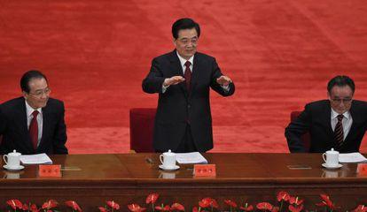 Desde la izquierda, Wen Jiabao (primer ministro), Hu Jintao (presidente) y Wu Bangguo (presidente del Parlamento), en Pekín.
