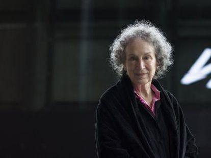 Margaret Atwood en la Alhóndiga de Bilbao.