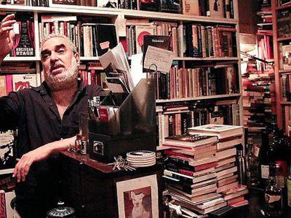 Michael Seidenberg, en su casa-librería neoyorquina.