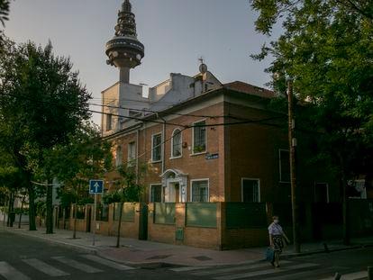El Pirulí es omnipresente en la colonia de la Fuente del Berro.