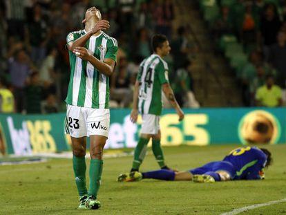 Mandi y Rubén Castro se lamentan tras una ocasión